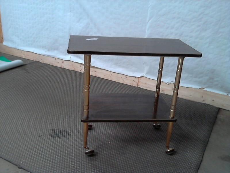 meuble tv haut roulettes solutions pour la d coration int rieure de votre maison. Black Bedroom Furniture Sets. Home Design Ideas